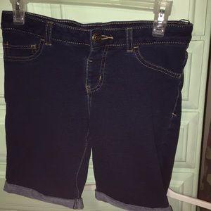 Cat and Jack girls Bermuda shorts